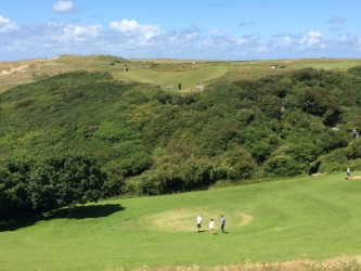 How we do golf at Holywell Bay